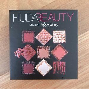 NWT Huda Beauty Mauve Obsessions Palette